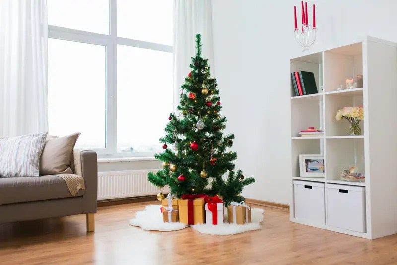 5 Reasons You Should Switch to an Artificial Christmas Tree This Year