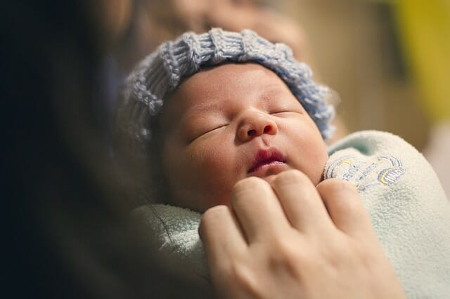 Hats Made of Cotton or Wool Affect Infants' Body Temperature