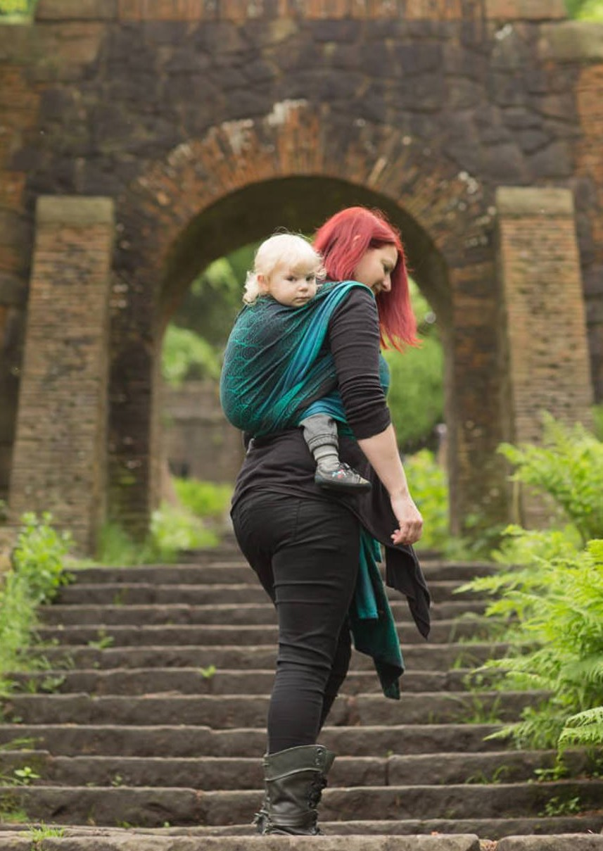 What Do We Know About Babywearing? A Q&A With Dr Rosie Knowles