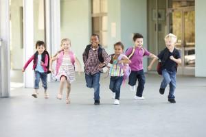 Enfants heureux école