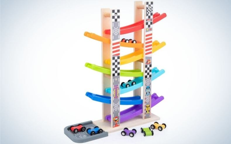 Colorful Wooden Car Ramp Racer Toy Vehicle Set with 7 Mini Cars & Race Tracks in it.