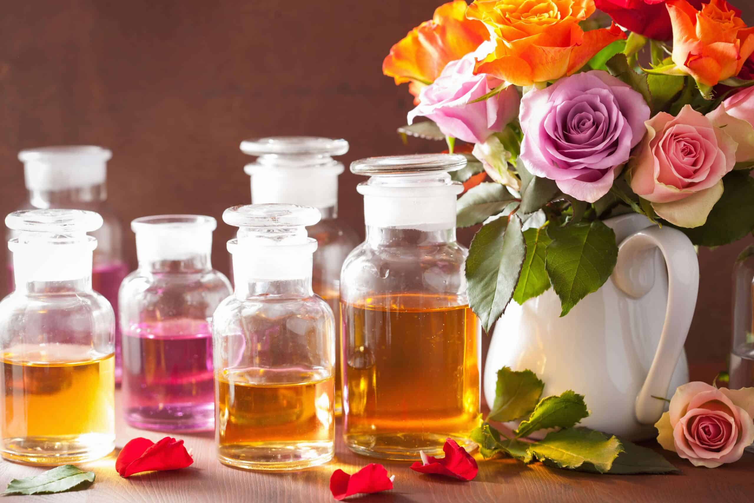 essential-oil-and-rose-flowers-aromatherapy-spa-pe-PDKVHE3-min