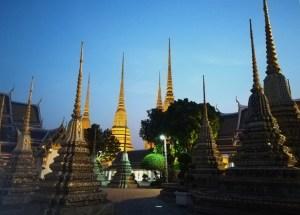 blog-voyage-couple-parfums-de-liberte-leo-et-julie-petit-budget-bangkok-wat-pho