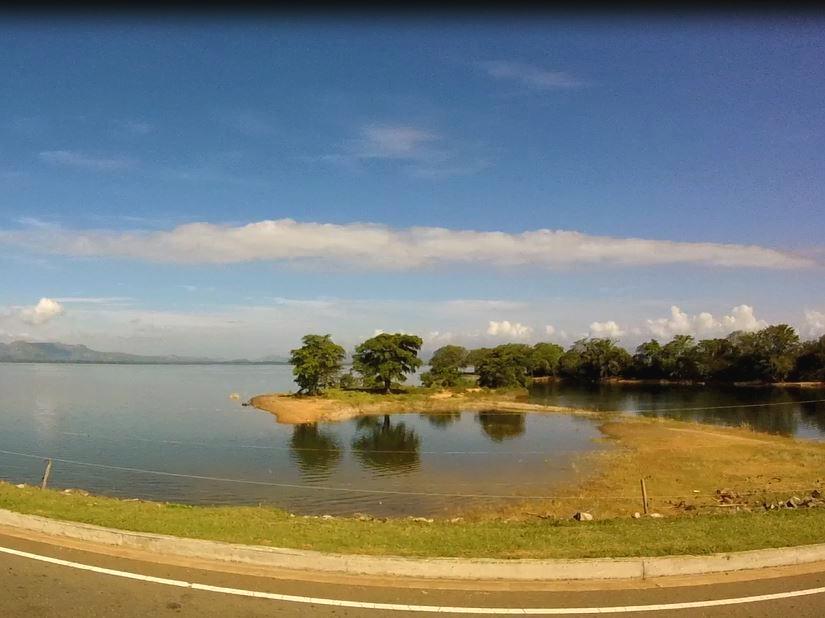 blog-voyage-couple-parfums-de-liberte-leo-et-julie-petit-budget-safari-udawalawe-sri-lanka-conseil