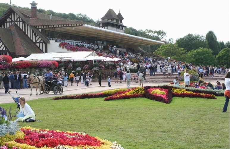 Comment gagner aux courses hippiques à Deauville cet été - Pari-Gagnant.com