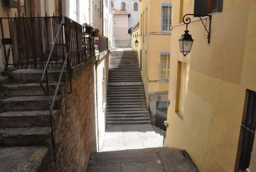 Escaliers dans quartier croix rousse quitter paris pour vivre a lyon