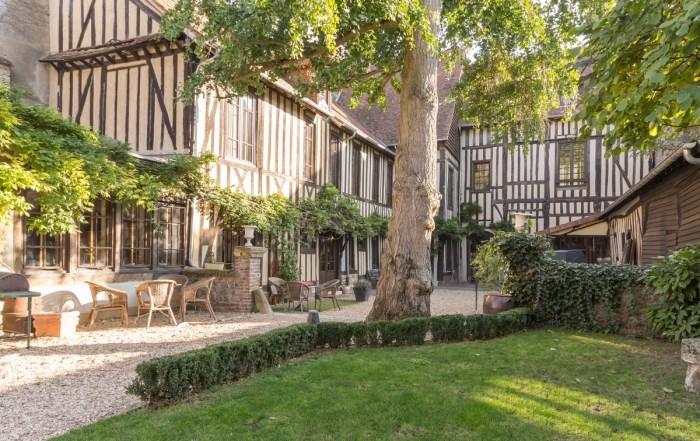 Quitter-Paris-Gite-de-France-Home-Saint-Jacques-1