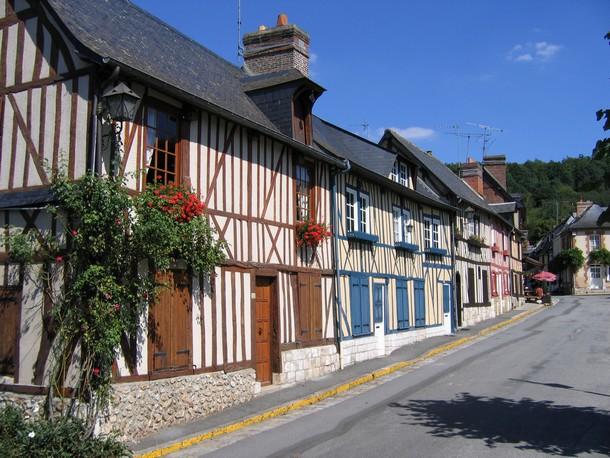 Le_village_bec-Hellouin