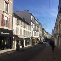visiter-Pau-201711-rue-serviez