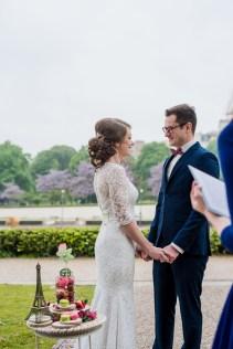 wedding ceremony near the eiffel tower