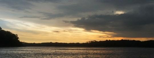 Coucher de soleil à Singapour, retour à Punggol après le wakeboard