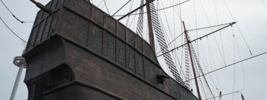 Le fameux bateau pirate en plein milieu de Malacca