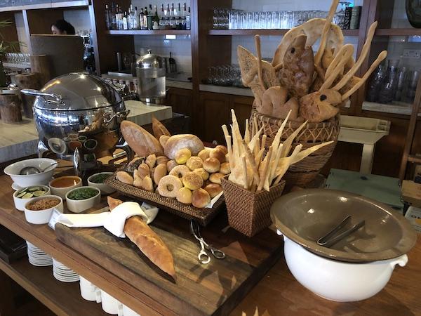 Petit-dej au Montigo Resorts Nongsa