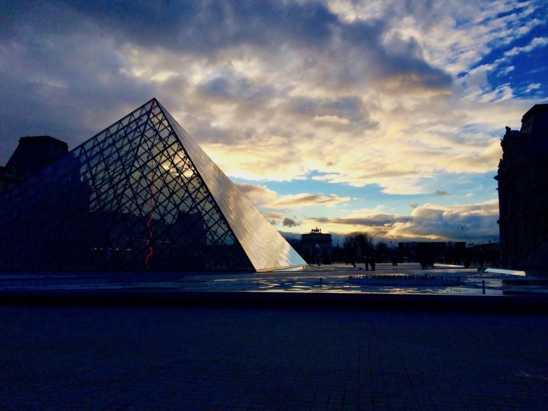 Dlaczego warto odwiedzić Paryż jesienią?