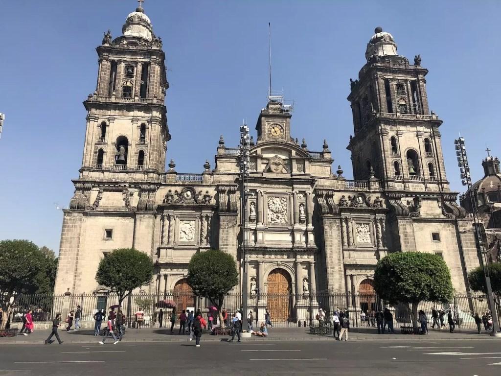 Dzień w stolicy Meksyku.
