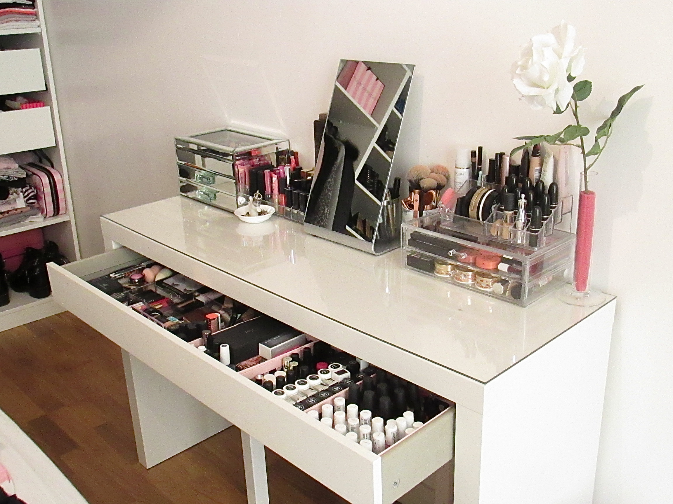 Meuble Maquillage Ikea Maison Design