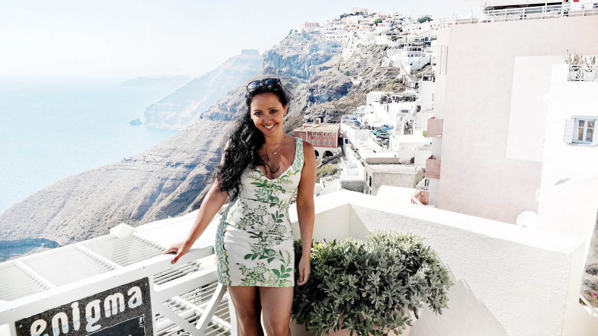 What To Wear In Santorini Fira Greece - Paris Chic Style Clip In Hair Extensions