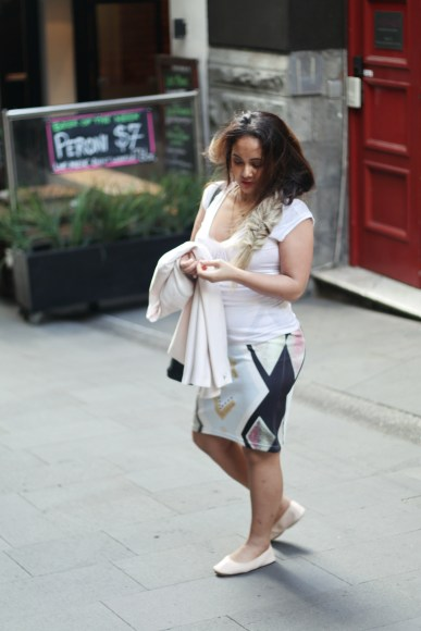 How To Wear Printed Pencil Skirt Everyday Fashion Paris Chic Style 4_resize