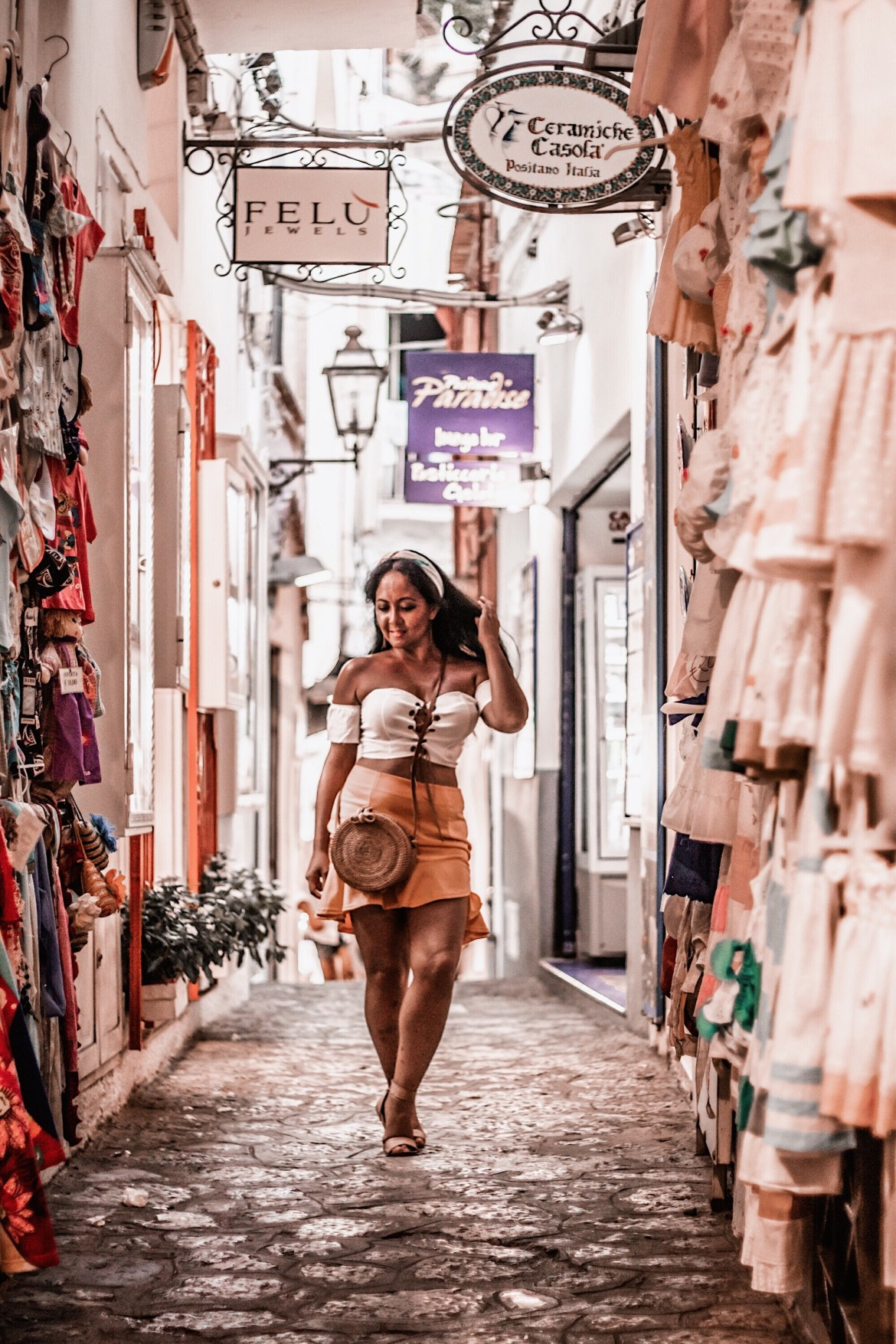 Positano-Travel-Guide-Best-Things-To-Do-In-Positano-Paris-Chic-Style-11