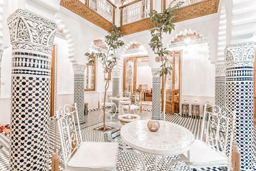 2_paris_chic_style_best_riads_in_marrakech_morocco_Riad_Johara_4
