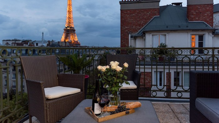 Best Luxury Paris Airbnbs With Eiffel Tower Views Rooftop Terrace Paris Apartment For Rent Paris Chic Style