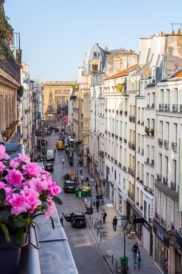 French Eclectic Chic Airbnb In Montorgueil Paris Apartment For Rent Vacation Paris Chic Style
