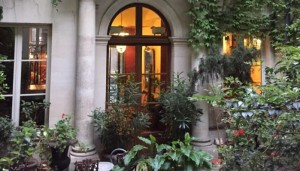 Lille gårdhave på Hotel Relais Saint Sulpice