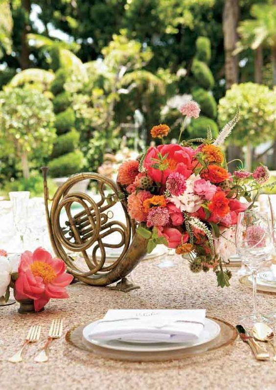 Thème-mariage-musique-cor-fleurs