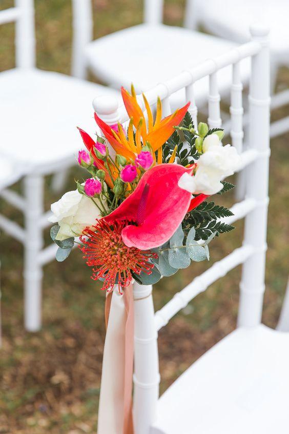 Thème-mariage-tropical-fleurs-cérémonie
