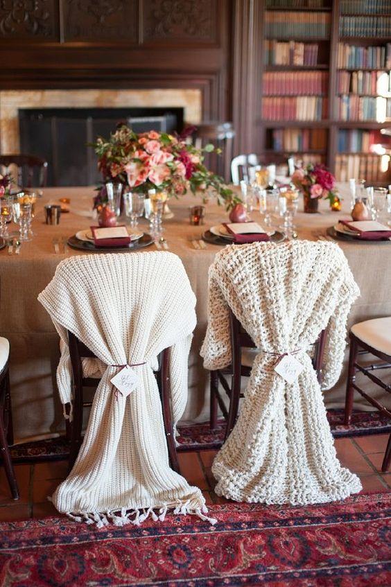 Thème-mariage-hivernal-couvertures-chaises