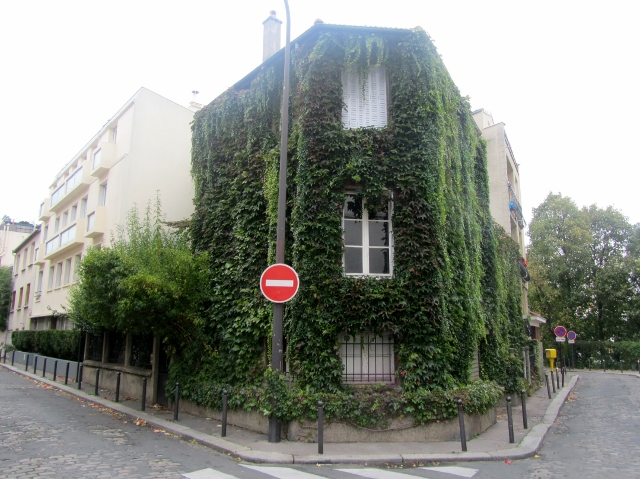 Les guides 111 d voilent les petits secrets de paris for Les secrets de paris