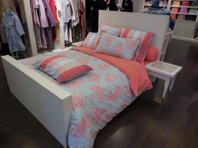 couleur poissons et papillons linvosges installe l 39 t dans la maison paris maman moi. Black Bedroom Furniture Sets. Home Design Ideas