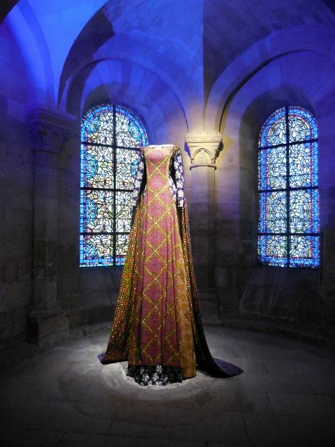 Les grandes robes royales de Lamyne M (11)