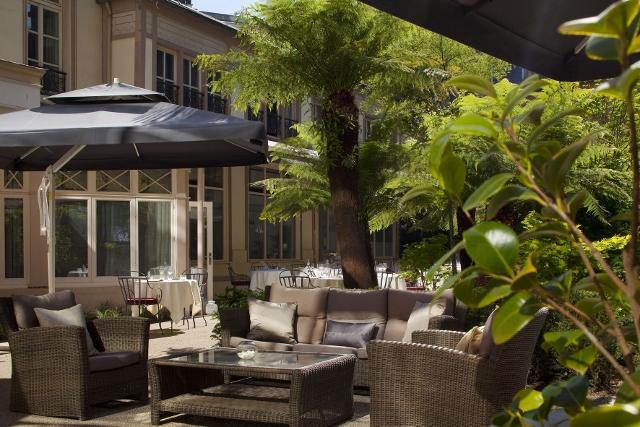 Renaissance Paris Le Parc Trocadéro Hotel (9) (640x427)