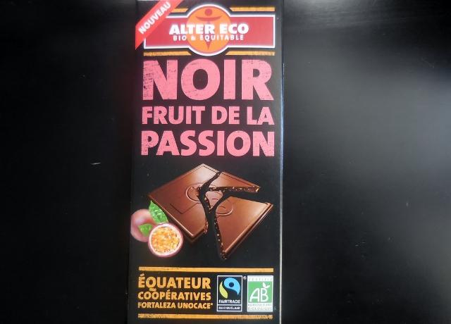 lait fourré praliné et noir fruit de la passion