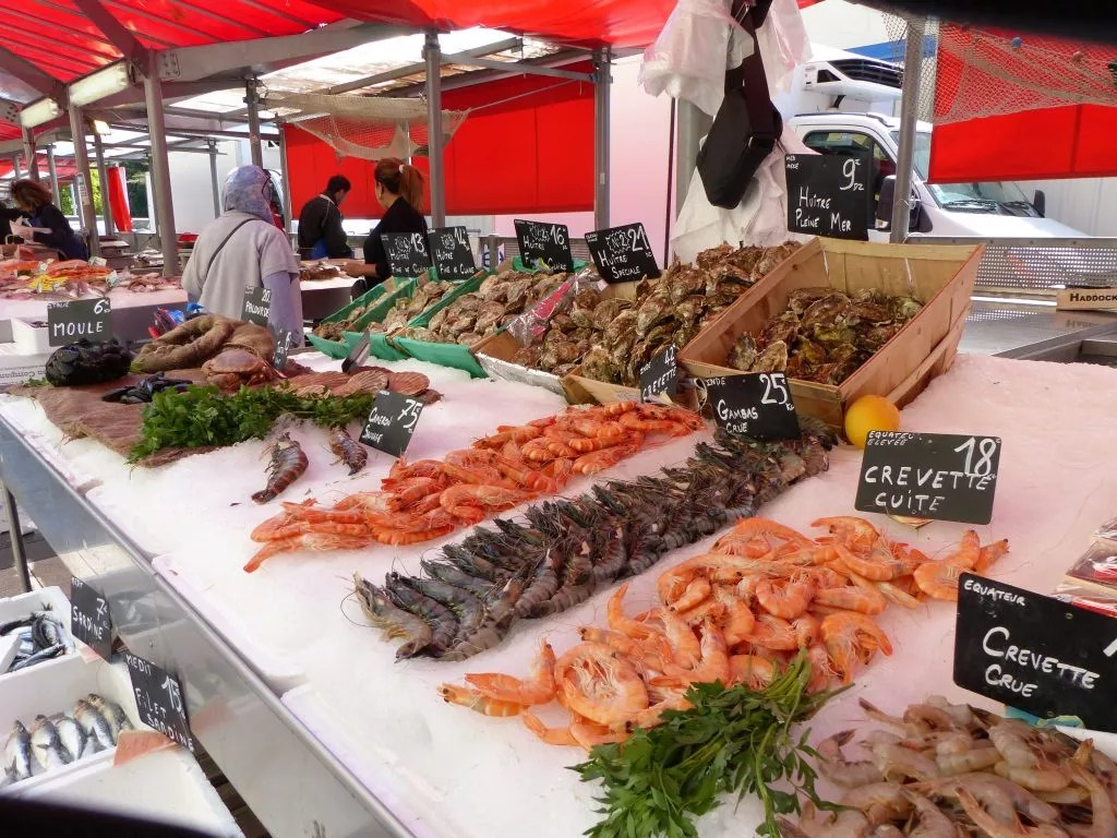 Liberation-market-some-of-best-fish-in-Nice-P1000187