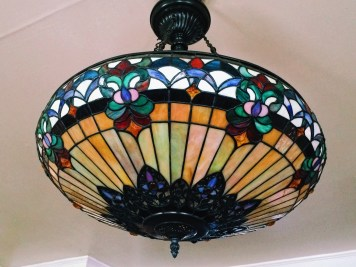 The inn was full of Tiffany inspired lamps and chandeliers