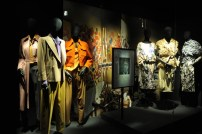 2009 Dries Van Noten's winter collection inspired by Francis Bacon 's colors and patterns