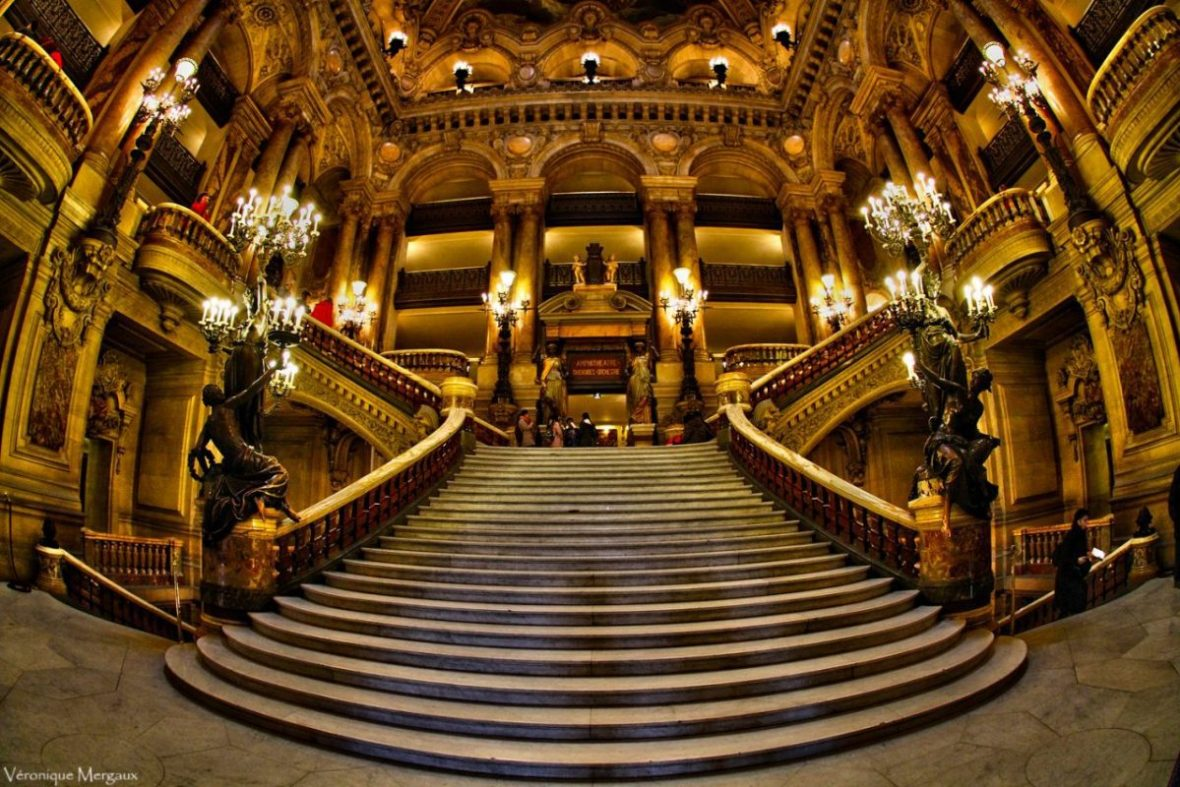 The lavish entry at the Palais Garner in Paris: true Belle Epoque elegance. Image: Veronique Mergaux/Some rights reserved under Creative Commons 2.0 license