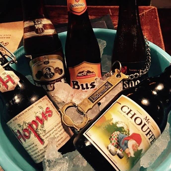 Le Bouillon Belge offers a good selection of bottled Belgian favorites as well as several beers on tap.