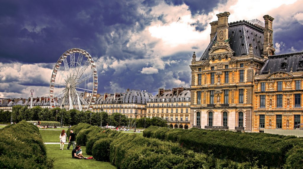 It can be quite muggy in Paris during the mid-summer period. Image credit: Rennett Stowe/Creative Commons