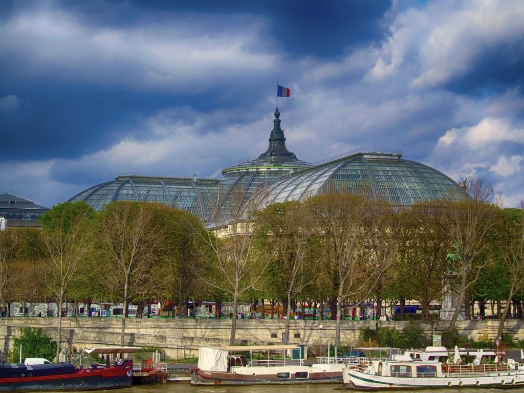 The Grand Palais hosts many of the early fall season's most exciting exhibitions. Creative Commons/rights-free