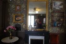 Museum mirror selfie