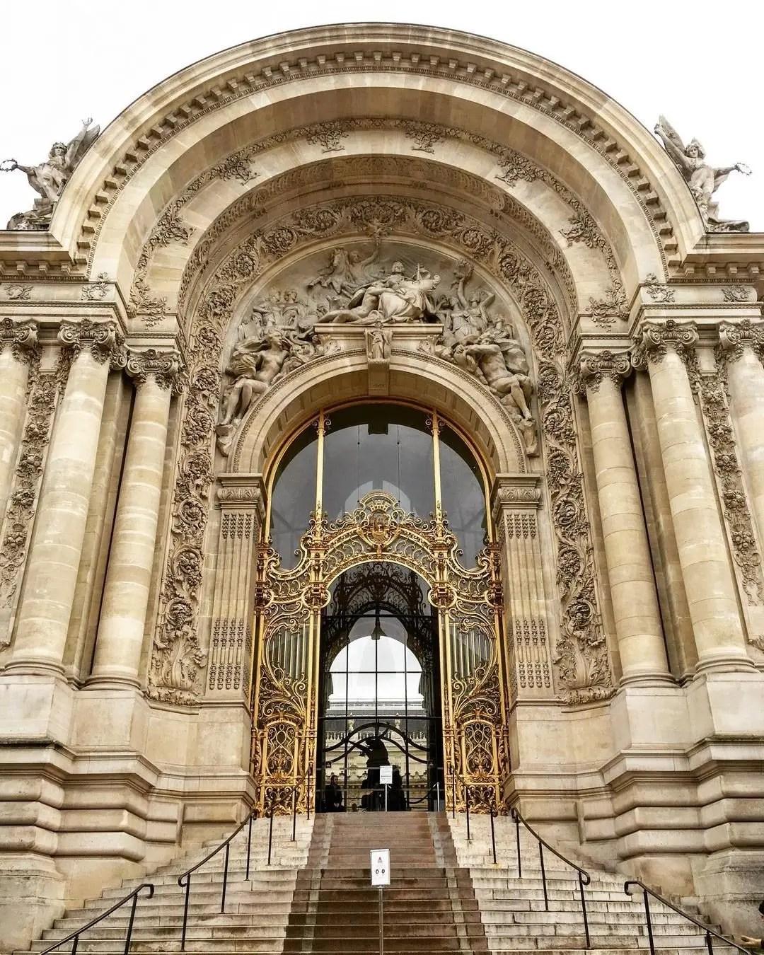 le petit palais front gates paris