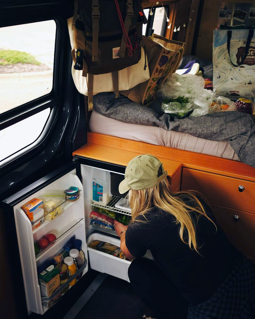 Keeping food cold using a 12v refrigerator in a campervan conversion