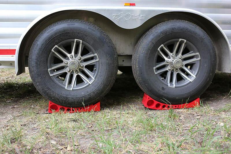 Camper tire levelers