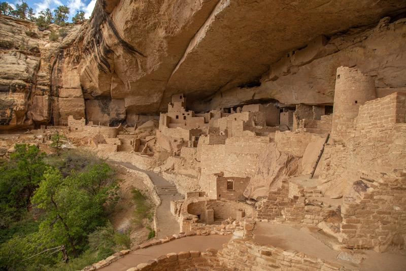 mesa verde cliff dwellings in colorado national park
