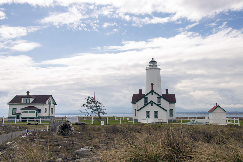 dungeness spit lighthouse in washington