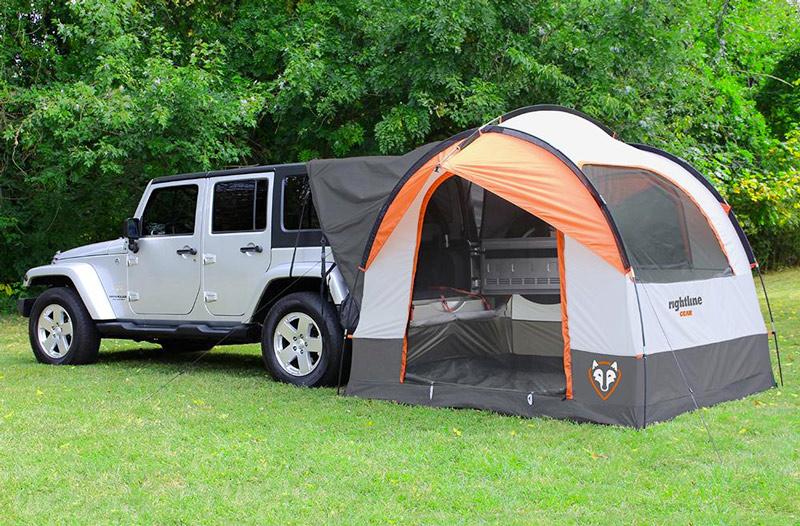 Hatchback tent on a jeep wrangler