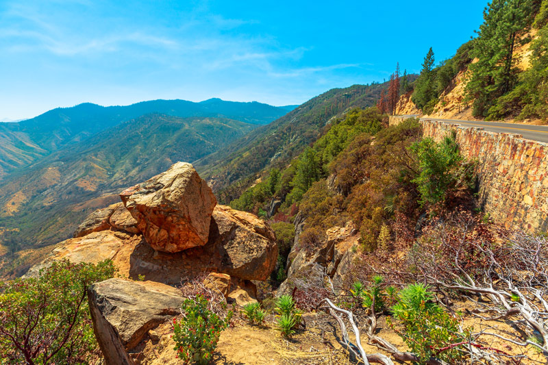 scenic overlook on highway 180 in kings canyon national park california